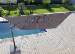 Parasol déporté 3X3 NH orientable et inclinable