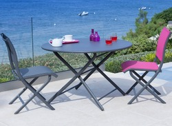 Tables pour balcons et petites terasses.